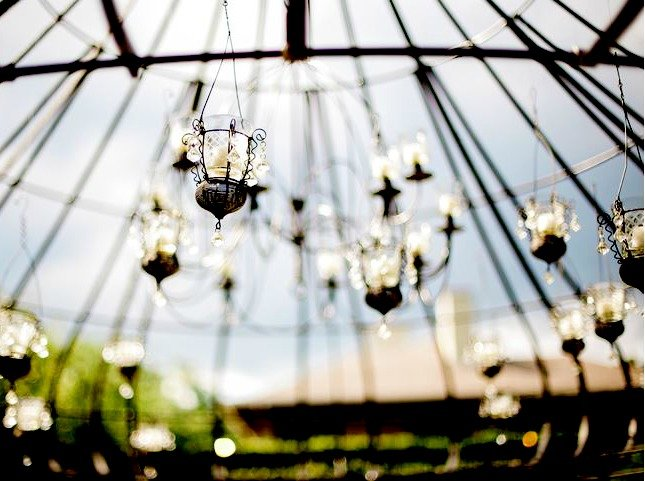 wedding-arch-with-lanterns-epic-events