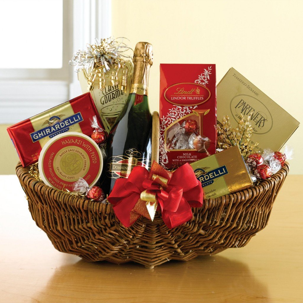 entrusting-your-corporate-christmas-party-to-the-experts-chirstmas-basket